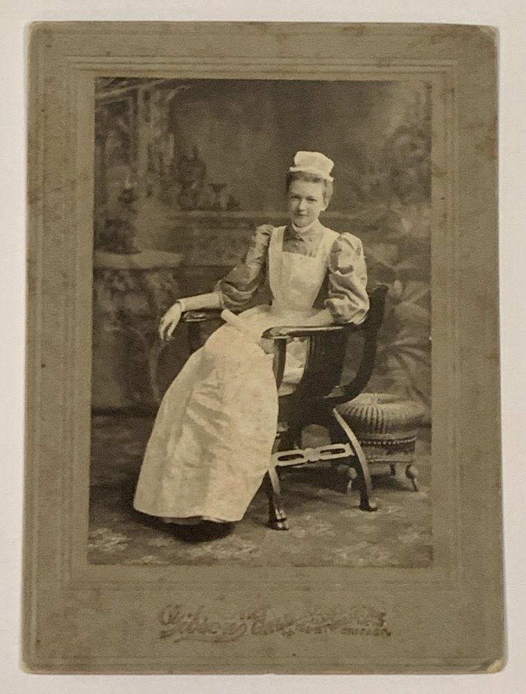 CABINET CARD PHOTOGRAPH Of Ms Mench in her Nurse's Uniform. Ethel Mench, dele. 1875 - 1917.