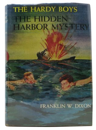 The HIDDEN HARBOR MYSTERY. The Hardy Boys Mystery Series #14. Franklin W. Dixon